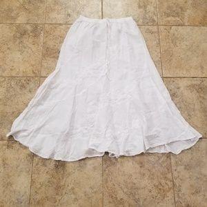 Metro Wear Good Condition Midi White Flowy Skirt